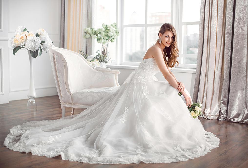8907edafa4c1 Bröllop. Bröllopsklänningar och tillbehör.